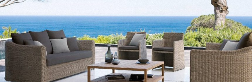 How to pick outdoor cushions and pillows for your patio furniture
